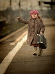 bag-leaving-little-girl-lost-train-running-Favim.com-469424